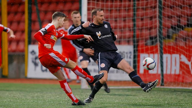 irish cup - image gallery - Cliftonville v Sports & Leisure Swifts.jpg