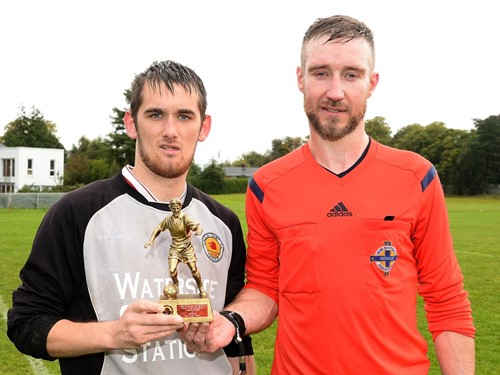 Lincoln Courts Lee Simpson is presented with his MOM trophy by match Ref Jason Gillespie.jpg