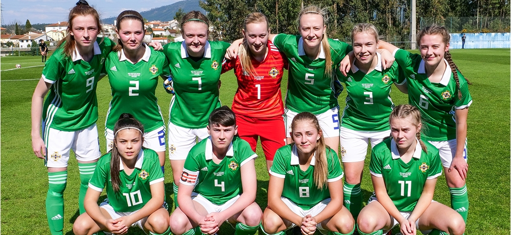 wu17s squad photo.jpg
