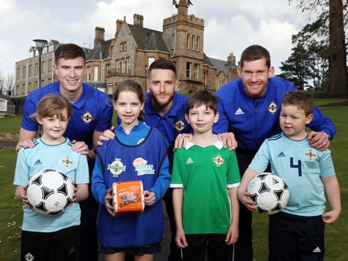 Ava, Eilidh, Conor and Toby pictured with Paddy McNair, Conor Washington and Michael McGovern.JPG (1)