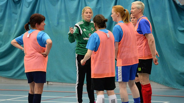 gail-gives-her-team-a-pre-match-team-talk.jpg