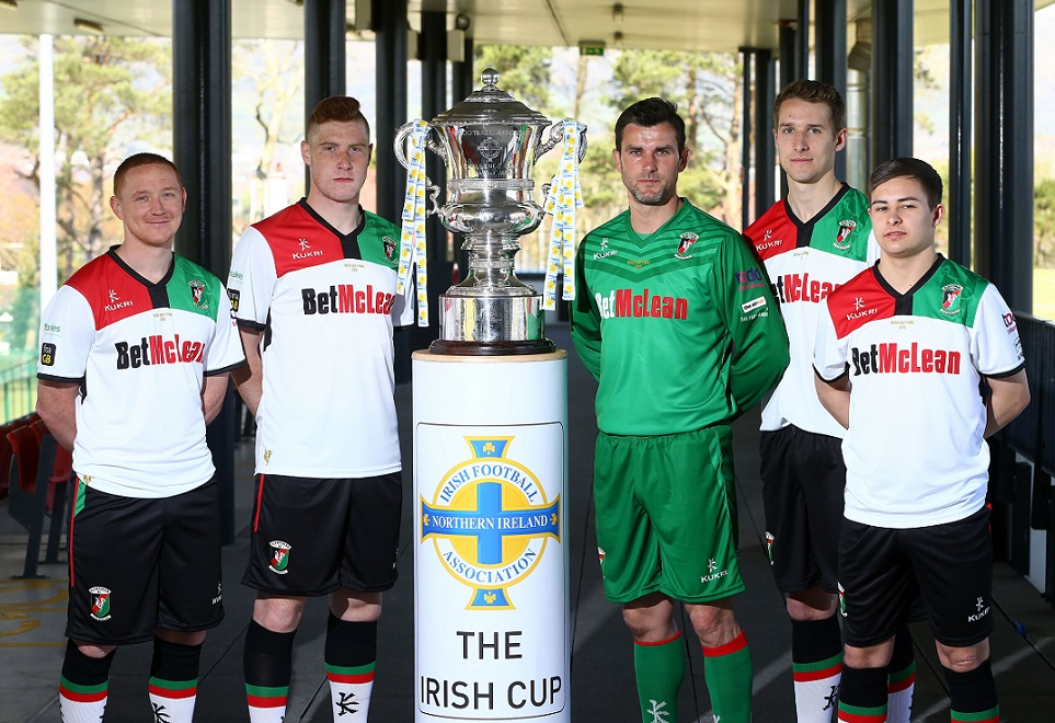 Glentoran Irish Cup Final 2015
